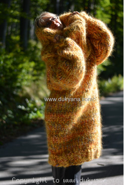 Custom order for a same thickness sweater in yellow mix
