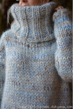 Super chunky wool and mohair sweater in white beige blue mix