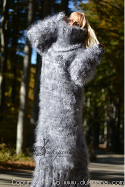 Chunky and fuzzy dress in white gray mix