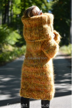 Big sweater in yellow mix