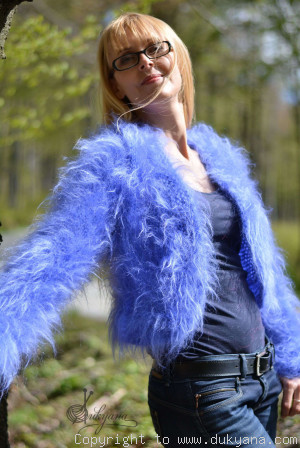 Fuzzy mohair bolero in purple