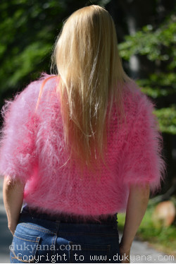 Fuzzy handmade mohair bolero in pink