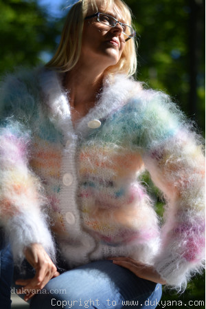 Fuzzy mohair hooded cropped cardigan in pink and white