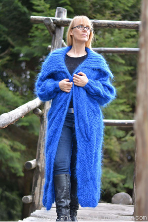 Dukyana huge cable mohair shrug in royal blue