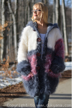 Chunky  knit mohair cardigan striped and hooded in bodro