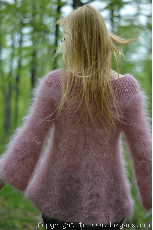 Off-shoulder summer mohair sweater in faded pink