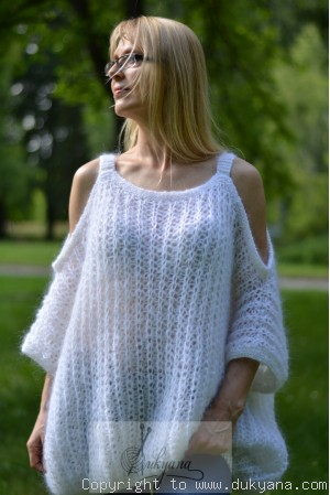 Balloon mohair sweater in pure white