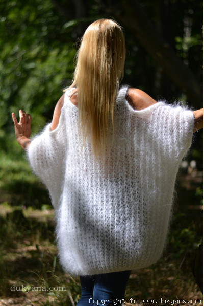 Balloon fuzzy mohair sweater in pure white