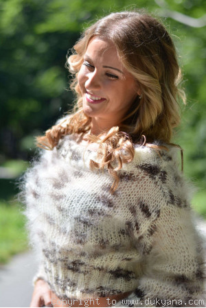 Cropped summer mohair sweater in animal print