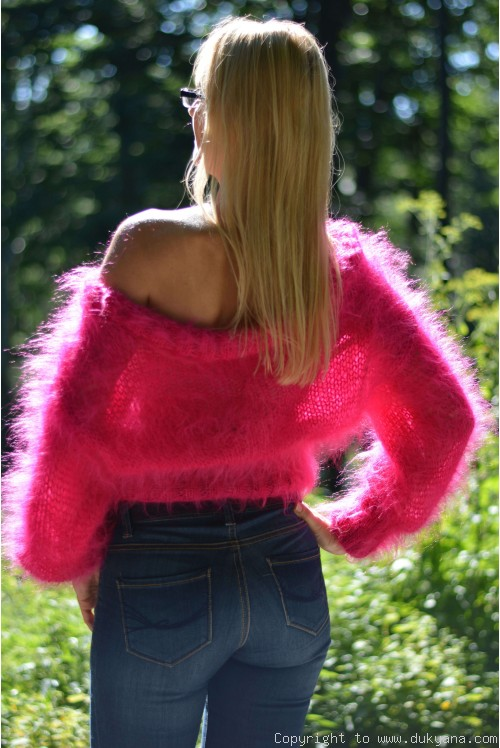 Cropped off-shoulder summer mohair sweater in fuchsia