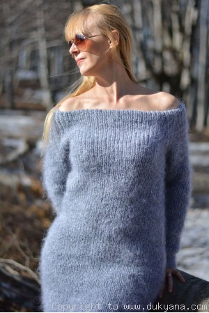 Off-shoulder mohair sweater tunic in light gray