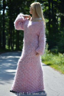 Mohair robe in light pink