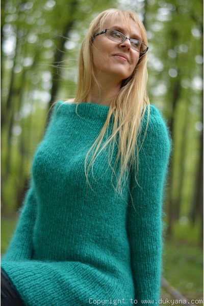 Off-shoulder mohair sweater tunic in emerald green