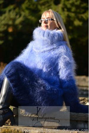 Rainbow chunky mohair dress in blue