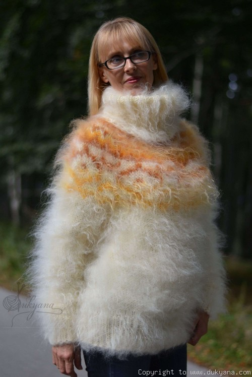 Hand knitted fuzzy Icelandic T-neck mohair sweater in Ivory