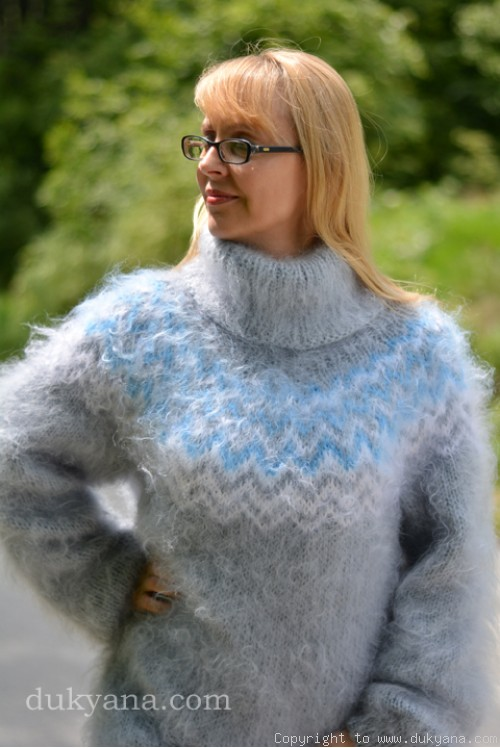 Icelandic T-neck mohair sweater in light gray