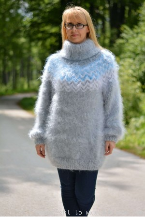 Icelandic T-neck mohair sweater in light gray