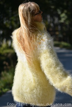 Fuzzy Icelandic T-neck mohair sweater in ducklin yellow