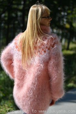 Fuzzy Icelandic T-neck mohair sweater in salmon