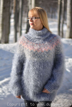 Fuzzy and soft Icelandic T-neck mohair sweater in light gray