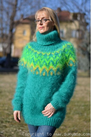 Emerald green Icelandic mohair sweater