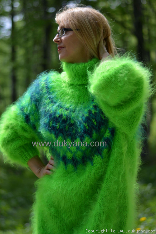 Icelandic T-neck mohair sweater in vibrant green
