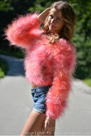 Cropped fuzzy mohair sweater in coral mix Limited edition
