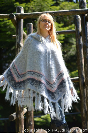 Hooded chunky mohair poncho in light gray