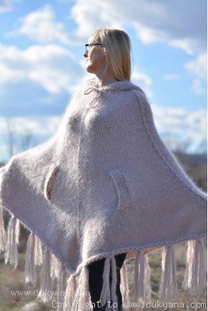 Hooded chunky mohair poncho in beige