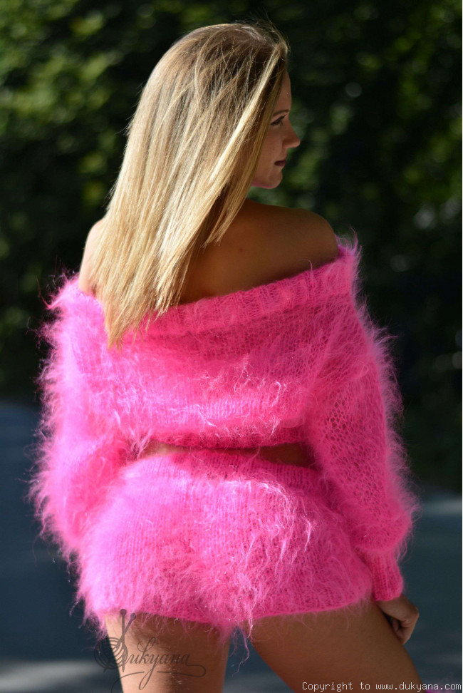 Fuzzy mohair set in hot pink/S26