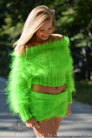 2-piece mohair set in vibrant green
