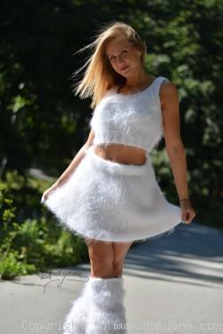 Fuzzy mohair 2-piece set in white