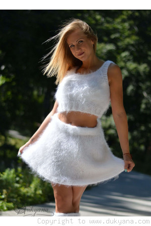 Fuzzy mohair 2-piece set in white