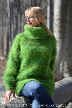 Wool Mohair sweater in green mix