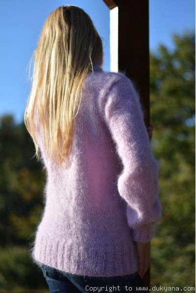 Fine knit soft and silky cabled design T-neck mohair sweater