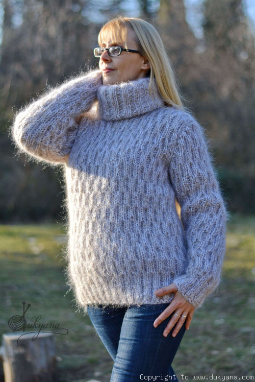 Knitted mohair sweater T-neck warm pullover in frosty beige