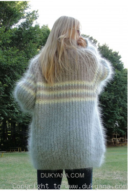 On request T-neck mohair sweater with raglan sleeve in beige and gray