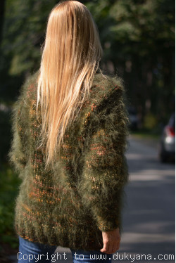 Mohair and wool Tneck thick sweater in green