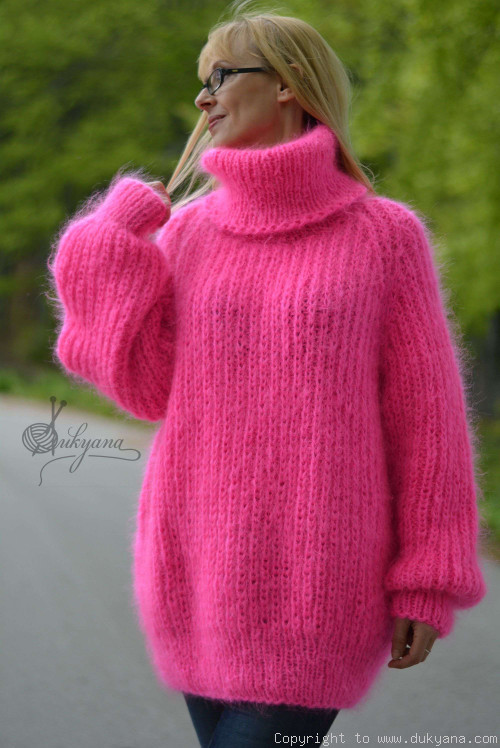 Handknt mohair sweater Turtleneck jumper soft pullover