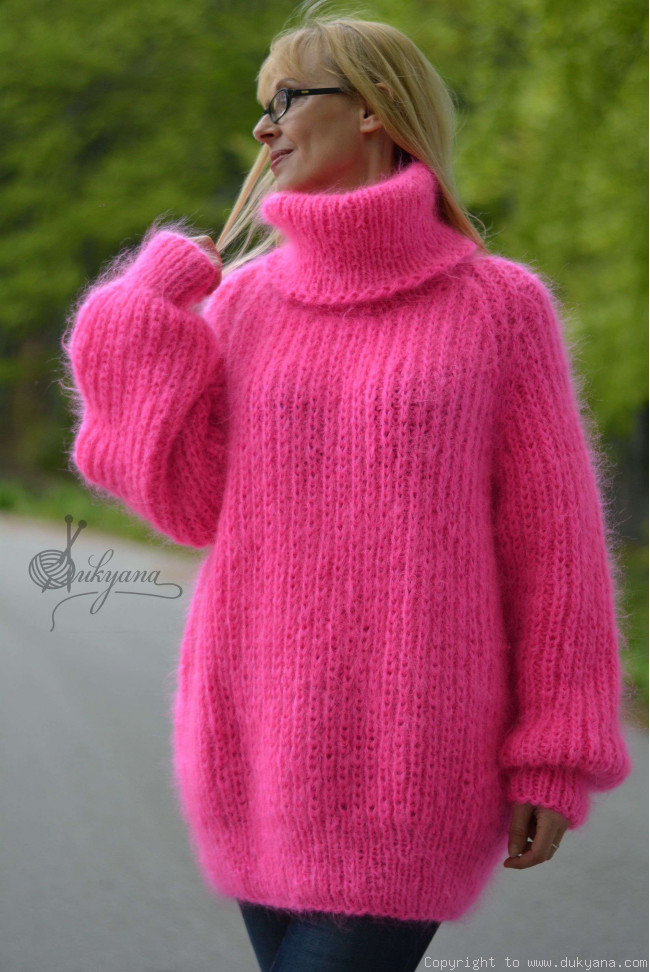 Handknt mohair sweater Turtleneck jumper soft pullover/T9