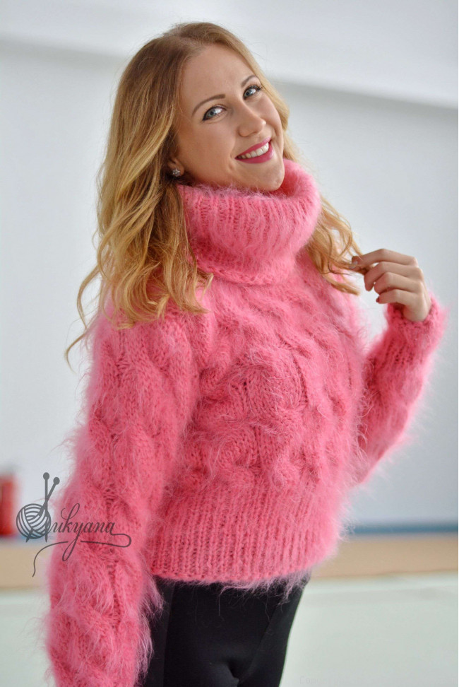 df0a8ad1420c Cropped hand knitted cabled mohair sweater/T90
