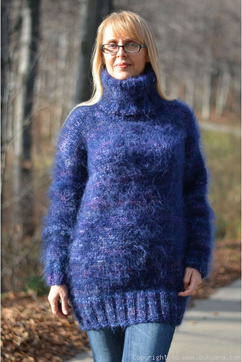 Mohair and wool Tneck thick sweater in blue
