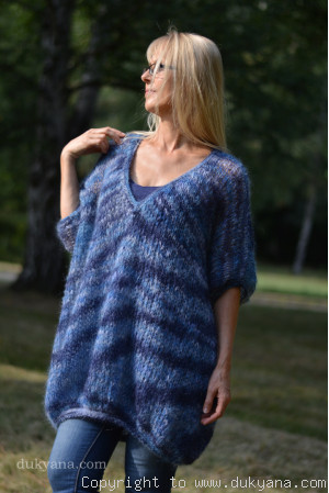 oversized slouchy summer V-neck mohair sweater in lilac