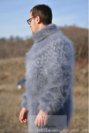 One size Icelandic T-neck mohair sweater