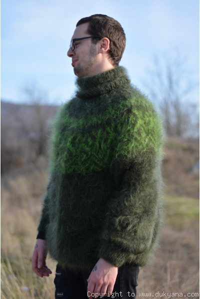 Icelandic T-neck mohair sweater in hunter green