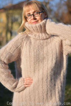 Casual mens mohair sweater hand knitted Tneck pullover