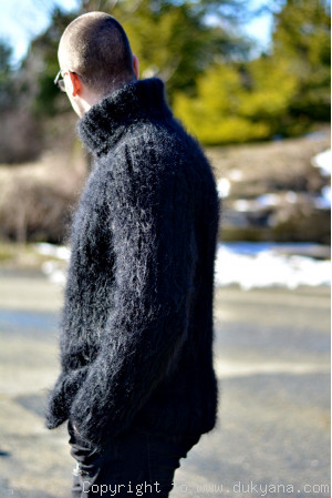 Casual mens mohair sweater hand knitted Tneck pullover in black
