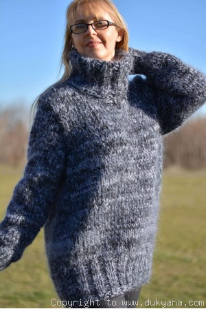 Mens thick mohair sweater in gray mix