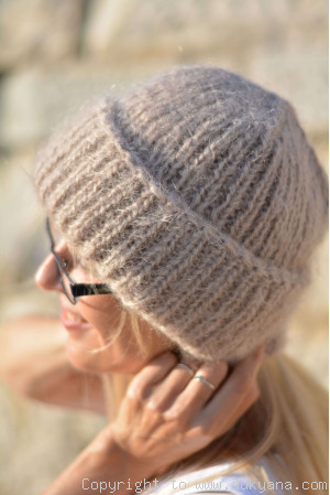 Warm winter beanie knitted in beige