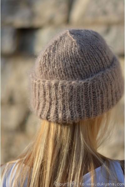 Warm winter beanie knitted in beige